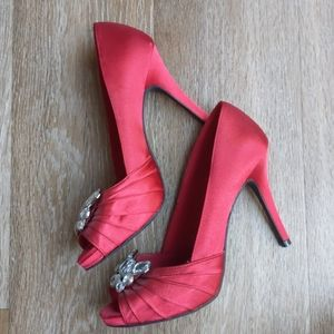 Smooth Red High Heels with Jems
